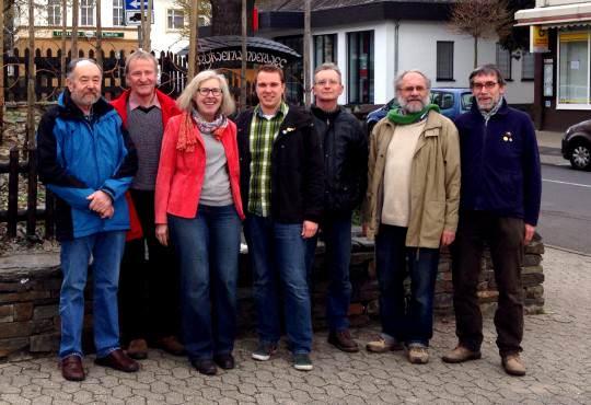 Die Teilnehmer der Grünen Bad Bodendord-Rallye mit den Bodendorfer Grünen Felix Pfendtner (links) und Robert Kolle (mitte).