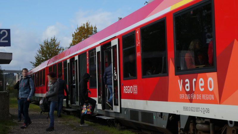 Die Arbeitsgruppe Mobilität der GRÜNEN im Kreis Ahrweiler setzt sich unter anderem ein für die Verbesserung der Qualität der Bahnhöfe. Hier ein Blick auf den Bahnhof Heimersheim, der nicht barrierefrei ist.