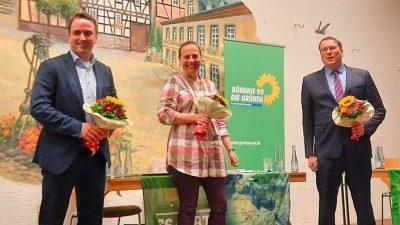 Duell der Bürgermeisterkandidaten:(v.l.n.r) Marcel Caspers, Stefani Jürries (Moderation), Sebastian Goerke