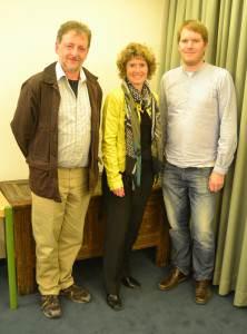 Der neu gewählte Geschäftsführer Harm Sönksen (rechts) neben dem Kreissprecher-Duo Eveline Lemke und Mathias Heeb.